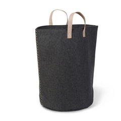 Stylish large toybag in trendy felt with PU handle.